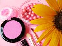 Girassol amarelo ajustado e fresco do cosmético Fotos de Stock