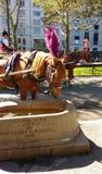 Giri in Central Park, NYC, NY, U.S.A. della depressione, del cavallo e del trasporto dell'acqua Immagini Stock