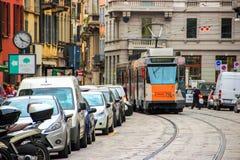 Giri del tram tramite la via di Cusani Immagine Stock