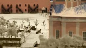 Giri della carrozza a cavalli tramite la strada stock footage