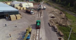 Giri locomotivi dalla ferrovia Posizioni locomotive su Forest Railway stock footage