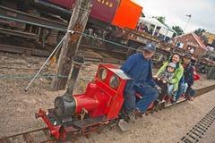 Giri sulla ferrovia di modello del vapore Fotografie Stock