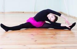 Girl at the ballet class Royalty Free Stock Photos