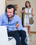 Girl blaming boyfriend in visiting date sites Royalty Free Stock Photos