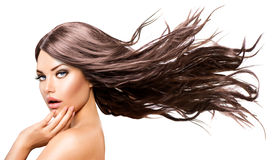 Girl di modello con capelli di salto lunghi fotografia stock libera da diritti
