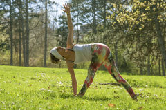 Girl doing yoga Royalty Free Stock Images