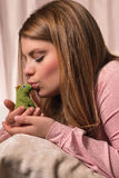 The girl and the Frog Royalty Free Stock Photos