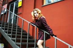 girl going stairways up Στοκ εικόνα με δικαίωμα ελεύθερης χρήσης