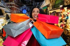 girl happy shopping Στοκ φωτογραφία με δικαίωμα ελεύθερης χρήσης