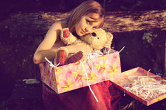 Girl hug teddy bear Royalty Free Stock Photos