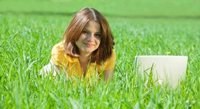 Girl with laptop outdoor Royalty Free Stock Photos
