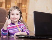 girl laptop using Στοκ εικόνες με δικαίωμα ελεύθερης χρήσης