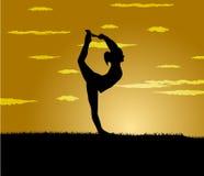 Girl makes yoga exercise at the gloaming Royalty Free Stock Photos
