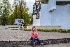 Girl at the monument to the liberators of the soldiers in the Victory Park in Kirov Stock Image