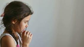 girl praying απόθεμα βίντεο