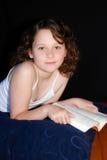 Girl reading Royalty Free Stock Photos