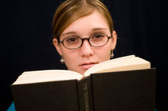 Girl reading book 1 Stock Photography