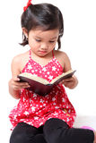 Girl reading a book Royalty Free Stock Photos
