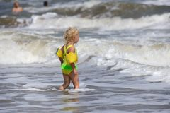 Girl is ready to swim Royalty Free Stock Photos