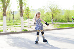 Girl rollerskatings Royalty Free Stock Photo
