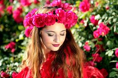 Girl, Roses, Red, Wreath, Flowers Royalty Free Stock Photography