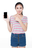 Girl showing her mobile phone Royalty Free Stock Photography