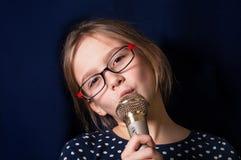 Free Girl Singing Royalty Free Stock Images - 48890069