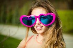 girl sunglasses young Стоковая Фотография