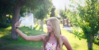 Girl takin selfie Royalty Free Stock Images