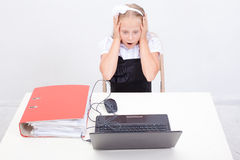 Girl using his laptop computer Royalty Free Stock Photography
