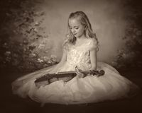 Girl violin. Young girl violin vintage portrait Royalty Free Stock Photo