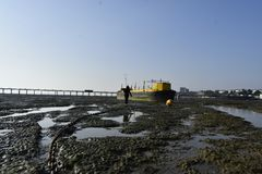 Southend on sea UK 15/10/2017. Girl walking to a ship. Stock Images