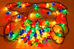 Girland av kulöra lampor för julgranar Arkivbilder