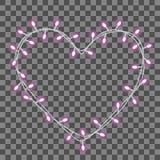 Girland i formformen av hjärta med glödande rosa purpurfärgade ljus som isoleras på genomskinlig bakgrund Royaltyfria Foton