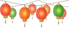 Girland med den kinesiska lyktakedjan, röda asiatiska traditionella pappers- lampor utan bakgrund, felika ljus, footeren och banr royaltyfri illustrationer