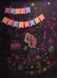 Girlanden av flaggor med den lyckliga födelsedagen för inskrift arkivfoton