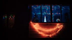 Girlanden för många tänder den färgrika jul flyttning stock video