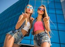 girlfriends images libres de droits