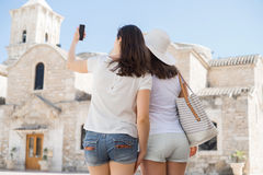 Girls on a city tour on a vacation Royalty Free Stock Photos