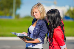 Girls studying outdoor Royalty Free Stock Photo