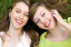 Free Girls With Mp3 Player Royalty Free Stock Photos - 15538218