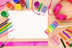 Girly desktop z rysunkowymi narzędziami Fotografia Stock