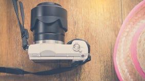 Girly rolnik i biała kamera dla pisklęcego podróż wakacje tła Obrazy Stock