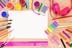 Girly tabletop z rysunkowymi narzędziami Obraz Royalty Free