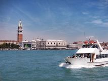 Giro del canale di Giudecca, Venezia, Italia immagine stock