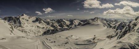 Giro del cielo sul ghiacciaio di Stubai Immagine Stock