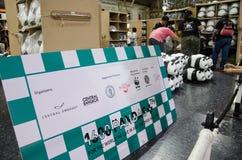 Giro del mondo di 1600 panda in Tailandia da WWF alla stazione ferroviaria &#x28 di Bangkok; Hua Lamphong station) Fotografia Stock Libera da Diritti