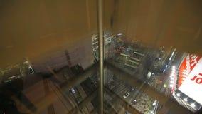 Giro dell'elevatore stock footage
