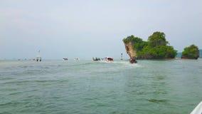 Giro dell'isola dal Ao Nang, Krabi, Tailandia stock footage
