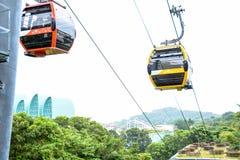 Giro della cabina di funivia di sentosa di Singapore immagini stock